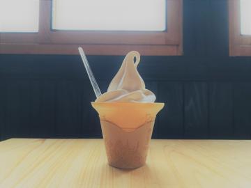 吉村醸造醤油ソフトクリームSサイズ.jpg